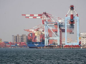 Kaohsiung Harbor volume down 1.9 percent last year