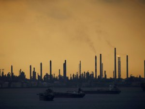 Singapore Uncovers Large Oil Heist at Shell's Biggest Refinery