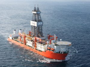 Fredriksen Seen as `Central' to Seadrill Solution, DNB Says