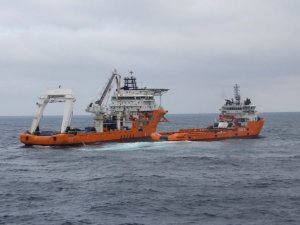 Chinese Salvage Team Trying to Remove Bunker Fuel from Sunken Sanchi Oil Tanker