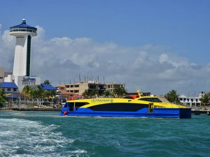 Midship Marine delivers two high-end cats to Cancun operator