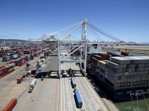 Oakland Port Digitalized to Move Cargo Faster