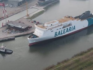 Balearia's 1st LNG-Fueled Ferry Hits the Water
