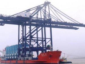 Felixstowe Gets Remote Control STS Cranes