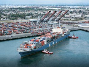 Port of Los Angeles Sees Dip in March Cargo Volumes