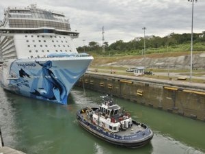 Norwegian Bliss Becomes Largest Cruise Ship to Transit the Expanded Panama Canal