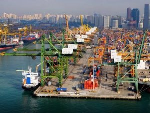 "Singapore Named ""Best Seaport in Asia"""