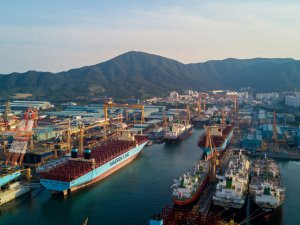 Fund Manager Bets on Revival of South Korean Shipbuilders