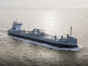Erik Thun Orders 8,000 dwt LNG-Powered Cement Carrier