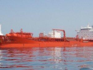 Major Oil Spill in Rotterdam