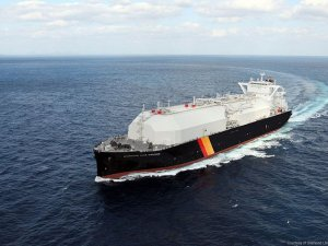 Rx for LNG carrier efficiency: Peapods, apples and hybrid drive