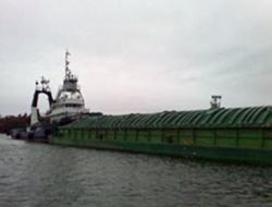 Vessel runs aground