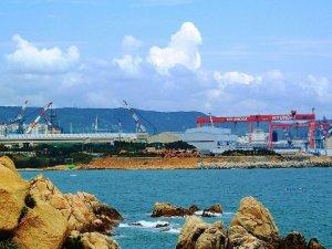 More Layoffs Ahead for South Korea's Big Three Shipbuilders