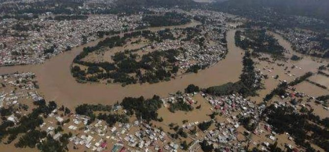 Indian Coast Guard Rescues Victims of Kerala Floods