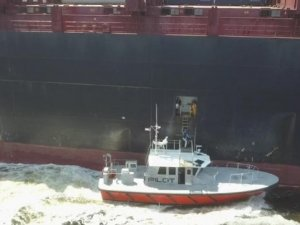 State Rep. Boards Boxship from Jaxport Pilot Boat