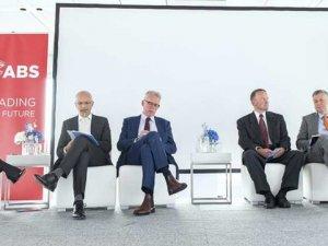 Industry Leaders Debate Post-2020 Bunker Market at SMM