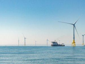 Aberdeen's Experimental Wind Farm Begins Operation