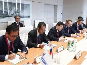 Gazprom, Mitsui Sign MOU on Baltic LNG Project