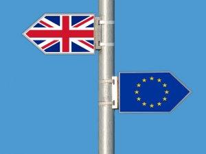 """British Ports Prepare for Brexit """"No Deal"""" Outcome"""
