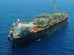 Aker Solutions Wins Services Contract with Petrobras