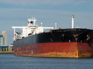 Trafigura Leases 35 Crude Oil and Product Tankers