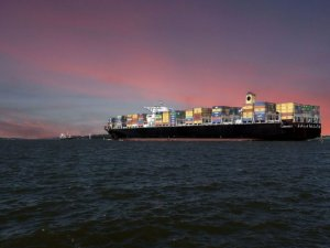 Seaspan Buys 2010-Built Boxship, Enters 3-Year Charter with ONE