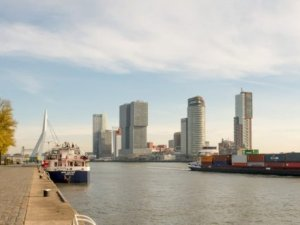 Rotterdam organises mobile shore-based power pilot project