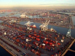 Port of Long Beach Keeps Reducing Air Pollution