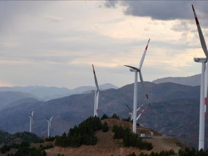 US wind additions to hit near record level in 2019, 2020