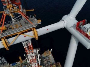 UK auction sees further massive fall in cost of offshore wind