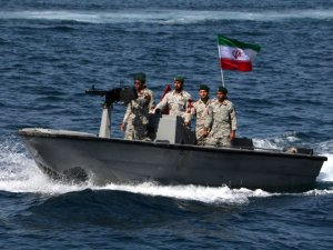 Iran, Iraq, Gulf States Should Join Coalition to Defend Persian Gulf, Tehran Says