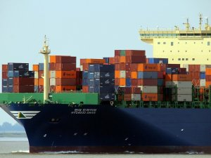 HMM, DSME Team Up on Smart Ship Development