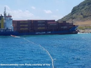 Container ship aground since Sep 12, no sign of salvage yet, Caribbean