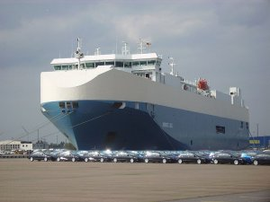 Singapore to Extend Port Rabates for Car Carriers