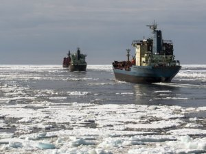 Russia Willing to Pay to Lure Shippers to the Arctic