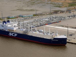 SCF Inks Financing, Charter Deals for New Icebreaking LNG Carrier