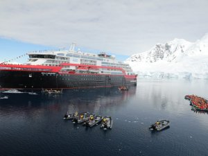 Hurtigruten: World's 1st Hybrid Electric-Powered Cruise Ship Named in Antarctica