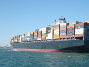 Drewry: Box Spot Rates Rise amid More Idle Ships, Bunker Surcharges