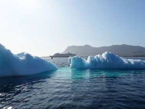 Expedition Cruise Operators Agree on Voluntary Arctic HFO Ban