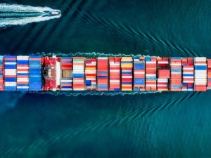 Global Ship Lease to Buy Two Post-Panamaxes on Long-Term Charters
