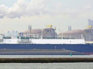 Golar LNG Postpones Shipping Spin-Off to 2020