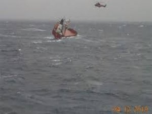 14 Crew Rescued from Listing Cargo Ship in Greek Waters