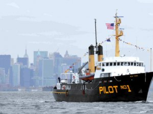 Sandy Hook Pilot Dies in Boarding Accident at Port of New York and New Jersey