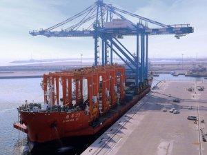 ZPMC cranes arrive at Fujairah