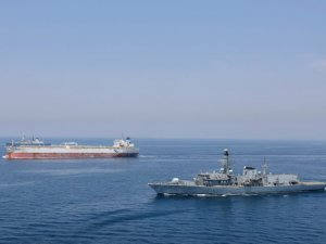 Britain's Royal Navy to Escort UK-Flagged Ships Through Strait of Hormuz