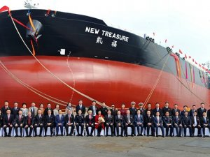 CMES Taking Over Bulkers and LNG Assets from Sinotrans