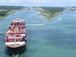 Shipping Industry Faces $370 Million Hit from Panama Canal 'Freshwater' Charge