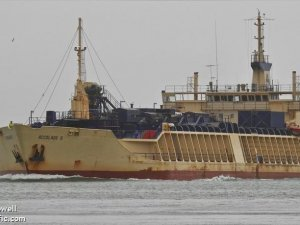 Bulker Collides with Fishing Vessel off Adelaide