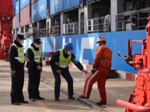 China's Port Jam Eases, but Refrigerated Container Rates Soar