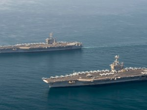 US Navy's Ike, Truman conduct dual carrier, joint air wing ops in Arabian Sea
